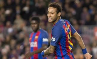 Barcelona Neymar'ı satmıyor