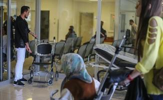 Hasta yakınına 'acil serviste çalışma' cezası