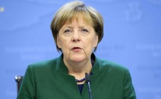 Merkel: Almanya'nın istikrarlı ve iyi bir hükümet kurması önemli