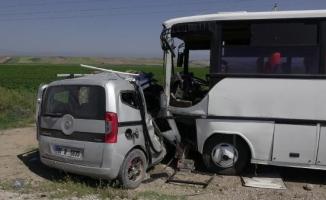 Adana'da kaza: 1 ölü, 11 yaralı