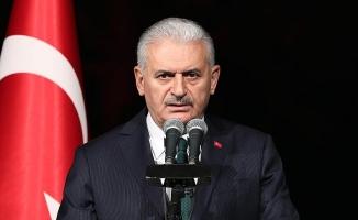 Başbakan Yıldırım, dünya şampiyonu tekvandocu Ağrıs'ı kutladı