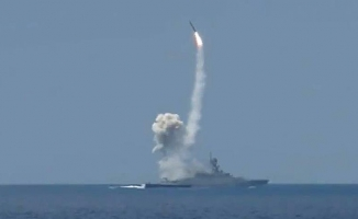 Rusya, Suriye'deki hedefleri Akdeniz'den vurdu