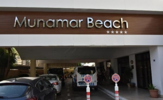 Katar Emiri Thani davayı kazandı, turist bulunan otelini tahliye ettirdi