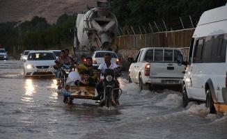 Mardin'de su şebekesi patladı
