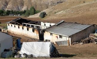 Sivas'ta 83 koyun yanarak telef oldu