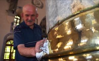 Ulu Cami'nin pirinç kaplamaları 'Muhsin dede'ye emanet