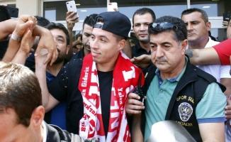Antalyasporlu Taraftarlar, Yıllık 7 Milyon Euro Kazanan Nasri'yi Islıkladı