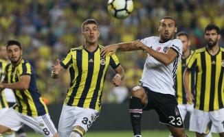 Fenerbahçe'nin kazandığı dev derbide 3 gol 4 kırmızı!