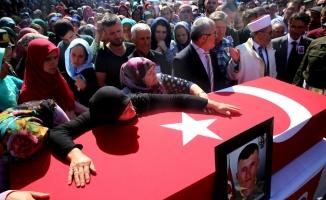 Şehit Sözleşmeli Piyade Er Fidan son yolculuğuna uğurlandı
