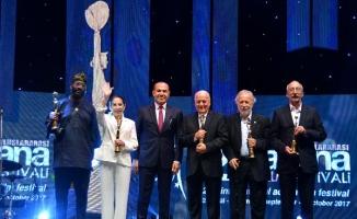 Türk Sineması'nın ustaları ödüllendirildi