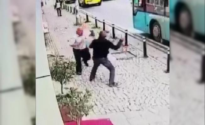 Ümraniye'de dehşet anları; kavga ettiği kişiyi böyle bıçakladı