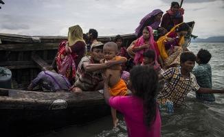 Bangladeş'te kamplardaki Arakanlı Müslüman sayısı 800 bine ulaştı