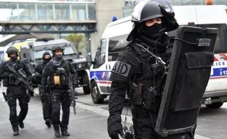 Fransa'da aşırı sağcı suikast timi yakalandı