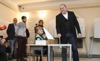 Gürcistan'da yerel seçimler için halk sandığa gitti