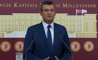 CHP'li Özgür Özel'den 'İttifak Komisyonu'nun toplandığı salona eleştiri