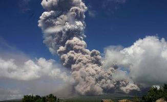 """Filipinlerin en aktif yanardağı için """"güçlü patlama"""" uyarısı"""