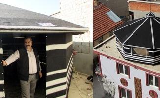 İki katlı binanın çatısına otağ kurdular