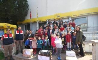 Altınovalı öğrencilerden, Afrin'deki Mehmetçiklere eşya ve moral mektubu