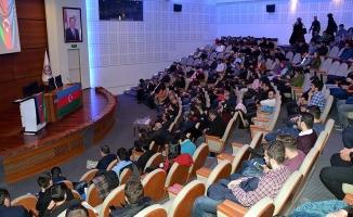 Azerbaycanlı öğrenciler 'Hocalı Katliamı'nı unutmadı