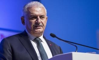 Başbakan Yıldırım: Yaklaşık 350 bin Afrinli topraklarına dönecek