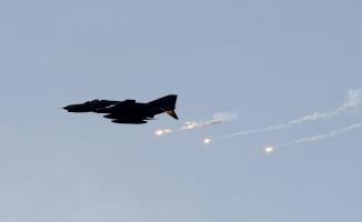 Esed tahliye devam ederken bile bombaladı: 20 ölü!