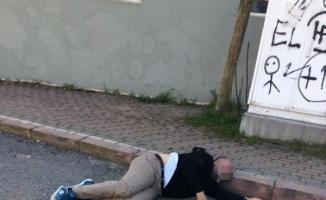 Kendisini rahatsız ettiğini iddia ettiği adamı sokak ortasında vurdu