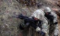 Çukurca'da üs bölgesine sızma girişimi; 1 şehit, 3 yaralı