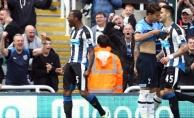 İngiliz Ekibi Newcastle United, 2.'liği Garantileyip Premier Lig'e Yükseldi