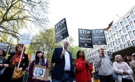 Londra'da ABD'nin hava saldırıları protesto edildi