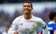 Ronaldo, Şampiyonlar Ligi'nde 100 gole ulaşan ilk futbolcu oldu