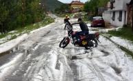 Amasya'da dolu ürünlere zarar verdi
