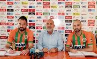 Aytemiz Alanyaspor'da iki futbolcunun sözleşmesi yenilendi