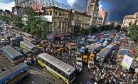 Hindistan'da otobüs nehre düştü: 15 ölü, 7 yaralı