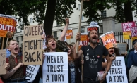 İngiltere'de Başbakan May protesto edildi