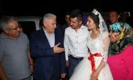Başbakan Yıldırım Kırıkkale'de düğüne katıldı