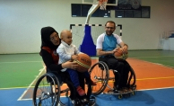 Engelleri ne aşka ne de basketbola engel oldu
