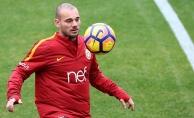 Sneijder çalışmalara başladı