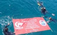 TSSF, 15 Temmuz şehitlerini su altında andı