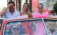 Adana Film Festivali'nde 'Sevgi Korteji'nde şehir turu atıldı