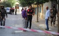 Bağcılar'da şüpheliyle polis arasında çatışma