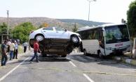 Çankırı'da yolcu midibüsü ile otomobil çarpıştı: 1 ölü, 3 yaralı