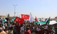 İdlib'e intikal eden Türk askerine Türk bayraklı destek