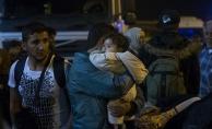 Yunanistan'da kampların yetersizliğinden sığınmacılar Atina'ya taşıyor