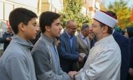 Diyanet İşleri Başkanı Erbaş İzmir'de şehit ailesini ziyaret etti