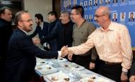 AKP'li Turan: CHP, artık kendisini mahallenin kabadayısı zanneden, mafya babası dilini kullananların yönettiği marjinal bir yapı haline gelmiştir