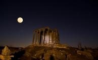 """Zeus Tapınağı'nda """"Süper Kanlı Mavi Ay"""" tutulması"""