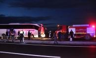 Konya'da yolcu otobüsü kamyona çarptı: 10 yaralı