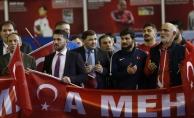 Özbek ve Türk güreşçilerden Mehmetçik'e destek