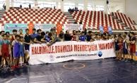 Türk ve İranlı güreşçilerden Mehmetçik'e destek