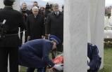 Başbakan Yıldırım Bosna Hersek'in ilk Cumhurbaşkanı İzzetbegoviç'in kabrini ziyaret etti
